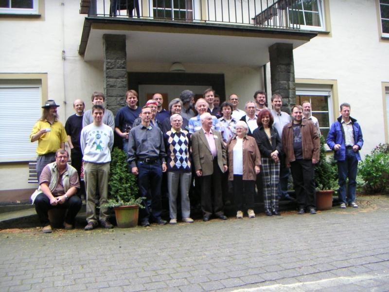 Die Teilnehmer vor Haus Bommerholz, Gruppenfoto 2006