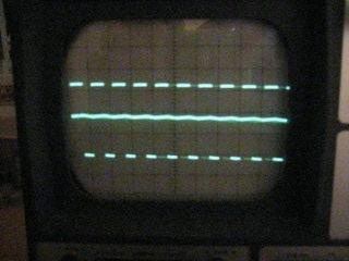 Rechtecksignal (PWM), Spannung an x liegt mittig. Tastverhältnis PWM ca. 1:1